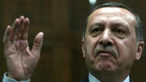 إردوغان: داعش سيطر على 40% من العراق بسبب أسلحة أمريكا.. ويرد على اتهام تركيا بدعم التنظيم