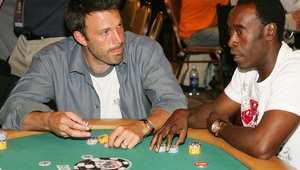 """منع نجم """"الوطواط"""" بن أفليك من المقامرة بـ""""بلاك جاك"""" للاشتباه بأسباب فوزه"""