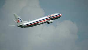 دعوى قضائية ضد شركة طيران أمريكية بعد طردها ثلاثة مسلمين وسيخي عن متن رحلة جوية