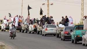 """يرفعون أعلام تنظيم """"أنصار بيت المقدس"""" خلال تشييع عدد من قتلى التنظيم بسيناء"""