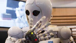 رجل أعمال ومخترع شهير يحذر البشر من تطوير الذكاء الاصطناعي: تستدعون شيطانا يستحيل صرفه