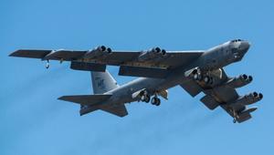 """أمريكا تنشر قاذفات """"B-52"""" في أوروبا.. وروسيا: زعزعة للأمن الدولي"""