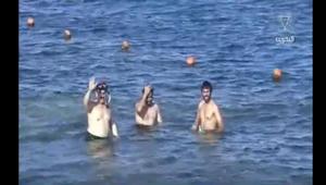 بالفيديو: ملك البحرين على شواطئ شرم الشيخ.. ويمارس رياضة الغولف