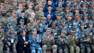 في تناقض صارخ مع النزاع المعتاد.. أمريكا والصين تجريان تدريبات عسكرية نادرة