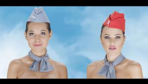 لماذا ظهرت مضيفات شركة الطيران الكازاخستانية هذه عاريات؟