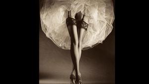 لو قُدّر لرجل تصوير أزياء المرأة..فماذا يختار؟