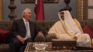 وزير خارجية أمريكا لأمير قطر في الدوحة: أنا هنا