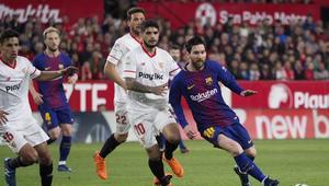 """ميسي يقود برشلونة إلى """"ريومنتادا"""" أمام إشبيلية في آخر 3 دقائق"""