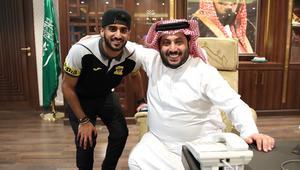 تركي آل الشيخ يتكفل بمعسكر إعدادي للاعب الاتحاد في مانشستر يونايتد
