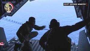 """بالفيديو: بعد العثور على حطام طائرة """"مصر للطيران"""".. هل تستطيع السلطات انتشاله قبل فوات الأوان؟"""