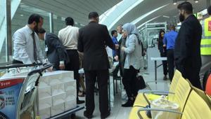 فريدا غيتس تروي لـCNN تجربة سفرها من دبي إلى أمريكا بعد فرض حظر الإلكترونيات