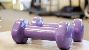 ما من حاجة لاشتراكات مكلفة بالنوادي الرياضية .. فامتلاك أدوات رياضية بسيطة قد تفي بالغرض