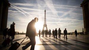 """فرنسا تبحث إعطاء العمال """"الحق في قطع الاتصال"""" عن البريد الإلكتروني والهواتف خارج المكتب"""