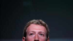 """زوكربيرغ يتحدى نفسه """"بإصلاح"""" فيسبوك عام 2018"""