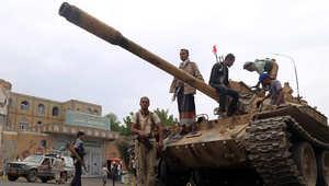 """معارك قاسية بتعز والحكومة """"واثقة من النصر"""" بمأرب.. والحوثيون يلمّحون لرئاسة جديدة بدعوى """"سد الفراغ"""""""