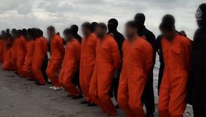 """السيسي ينعى """"شهداء الوطن"""" ويعلن الحداد 7 أيام بعد فيديو داعش الذي يظهر قتل رهائن مصريين بليبيا"""