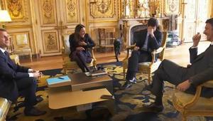 شاهد.. كلب الرئيس الفرنسي يقضي حاجته أمام الضيوف بقصر الإليزيه