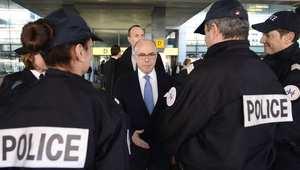 وزير الداخلية الفرنسية خلال حديثه إلى قوات الأمن