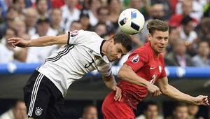 ألمانيا وبولندا تتعادلان سلبيا باليورو