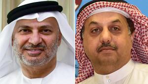 """قرقاش: قطر ستفشل في """"تسييس"""" الحج.. والعطية يرد على تغريدات للوزير الإماراتي حول تميم"""