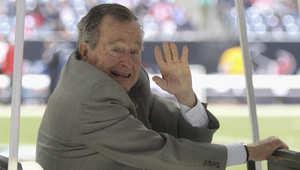 نقل الرئيس الأمريكي الأسبق بوش الأب للمستشفى لإصابته بمشاكل في التنفس