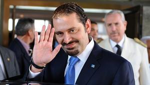 """بعد جدل """"احتجازه"""".. الحريري يصل فرنسا برفقة زوجته وابنه"""