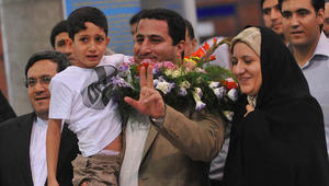 """إيران تعدم عالما نوويا بتهمة """"بيع معلومات سرية"""" لأمريكا"""