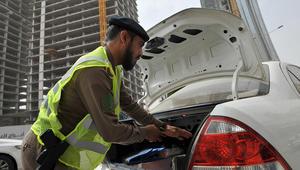 الأمن السعودي يعترض سيارة ويقتل إرهابيين بالقطيف