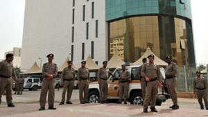 السعودية: مقتل رجل أمن وإصابة 2 بمحاولة تسلل لموقع أمني في ابقيق.. وكشف هوية المسلح وهو نواف مناحي العتيبي