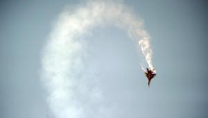 """روسيا تسرح وتمرح مجددا حول قوات أمريكية: مقاتلة روسية تقوم بمناورة """"لفة البرميل"""" حول طائرة أمريكية"""