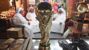 قرقاش يعلق على تغريدة لضاحي خلفان عن استضافة قطر لكأس العالم