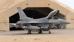 أرشيف- طائرة أمريكية F-16 في قاعدة الأسد الجوية غرب بغداد، نوفمبر/ تشرين الثاني 2011