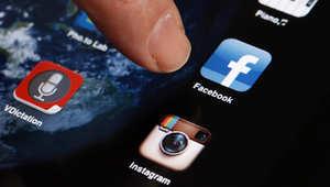 فيسبوك يختبر ميزة فوتو ماجيك الجديدة لمسح الصور