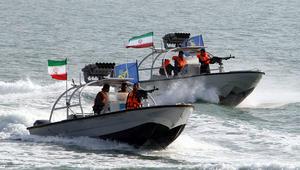 """خلفان ينتقد """"تحرش"""" إيران ببوارج أمريكية بهرمز: عبث صبياني"""