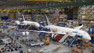 مهندسو بوينغ يتسببون بأضرار قيمتها 4 ملايين دولار بطائرة الرئاسة الأمريكية