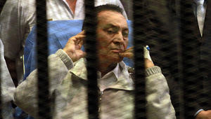 محكمة النقض المصرية تصدر حكما نهائيا ببراءة مبارك في قضية قتل متظاهري ثورة 25 يناير