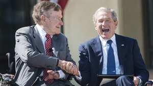 """ذو """"مؤخرة حديدية"""" و""""متغطرس و""""لا يطاق"""".. كيف يرى بوش الأب رئاسة ابنه وتشيني ورامسفيلد وكلينتون؟"""