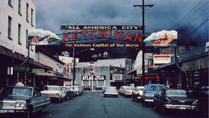 صورة أرشيفية لمدينة كيتشيكان بالأسكا، تعود لعام 1962