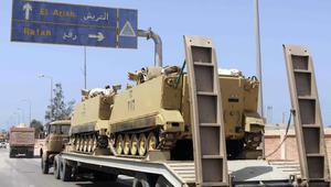 """الداخلية المصرية تعلن مقتل 13 من عناصرها في سيناء.. و""""داعش"""" يتبنى الهجوم"""
