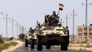الجيش المصري: مقتل 12 جندياً و15 إرهابياً في هجوم على نقطة تأمين شمال سيناء