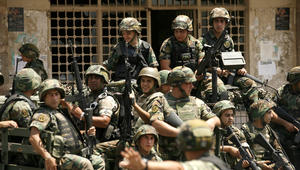 """لبنان: الجيش يقتل أحد """"أمراء"""" داعش كان أفتى بقتل الجنود اللبنانيين.. ويحتجز 10 """"إرهابيين"""" سوريين"""