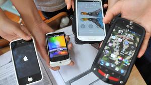 تريد شراء هاتف محمول لطفلك؟ إليك بخمس نصائح أولاً!