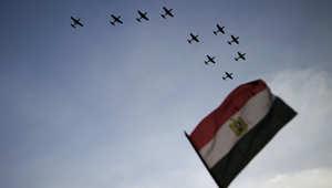 طائرات تحلق فوق ميدان التحرير في مصر في 4 يوليو 2013 في القاهرة،