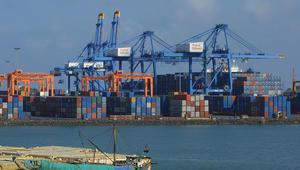 """قرقاش عن """"استيلاء"""" جيبوتي على ميناء دورالي: صدمة قوية"""
