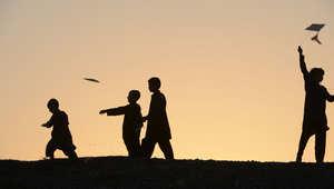 اعتقال عصابة باكستانية اغتصبت وابتزّت مئات الأطفال بأشرطة فيديو مسجلة