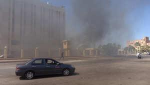 أرشيف- الدخان يتصاعد من قيادة شرطة الطور بعد تفجير سيارة مفخخة قتل فيه 3 رجال شرطة، 7 أكتوبر/ تشرين الأول 2013
