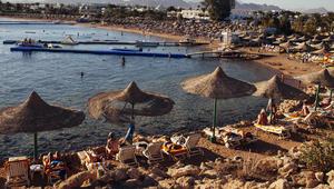 مصر تنفي إصدار قرار بمنع دخول السائحين اللبنانيين