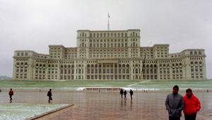مسؤول إعلامي برومانيا يرد على مزاعم إقدام سفير السعودية ببوخارست على اغتصاب وقتل سكرتيرته