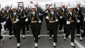 الجيش التركي يسمح لعناصره بارتداء الحجاب