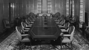 """نظريات المؤامرة وانطباعاتنا عن """"المجلس الأعلى للعالم"""""""